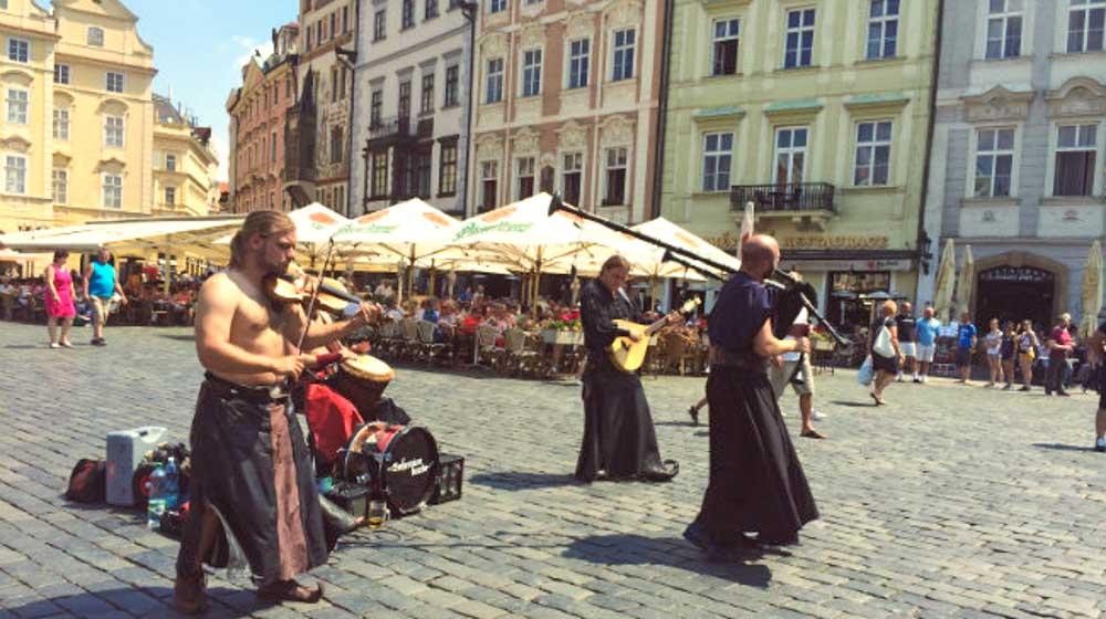 Prague street music