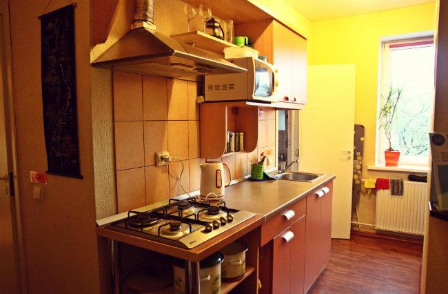 hostel_kitchen