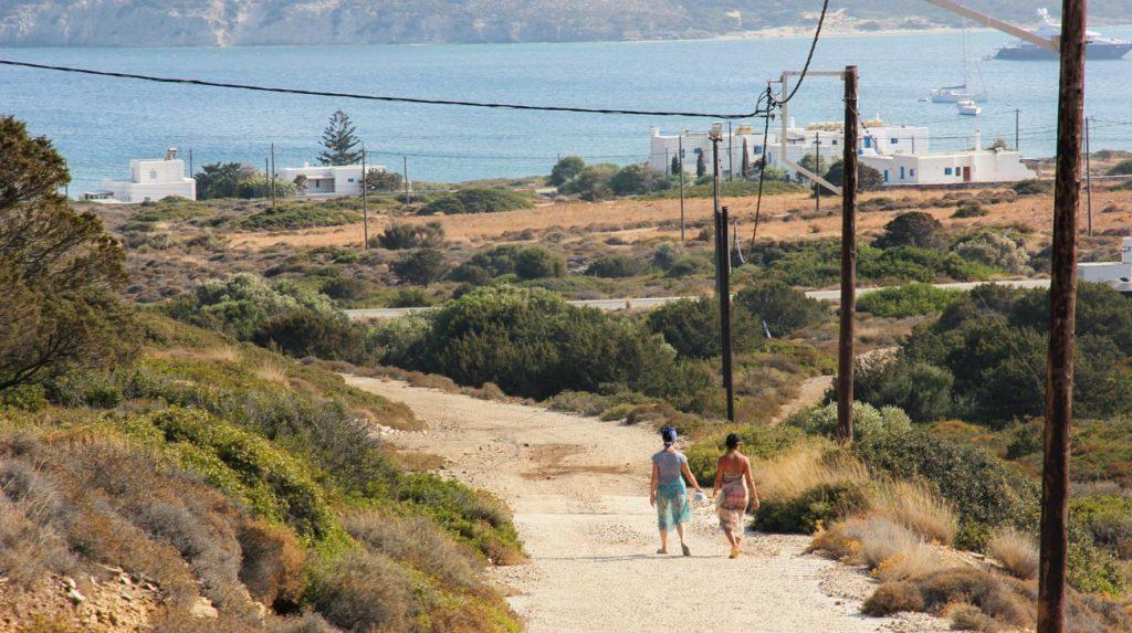 greek island holiday - antiparos way to the beach