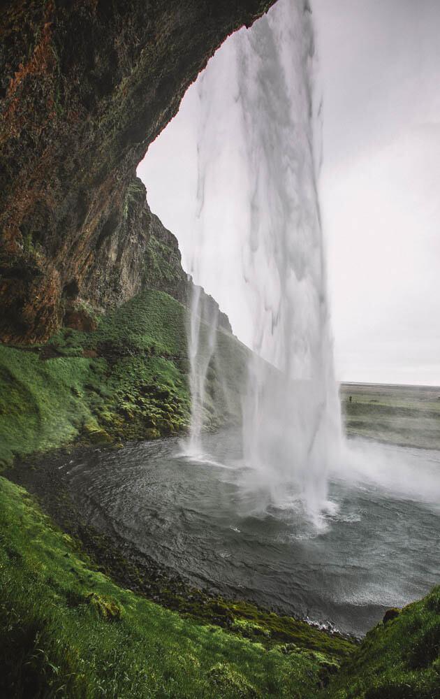 10-Days-Iceland-Itinerary-Seljalandsfoss-5