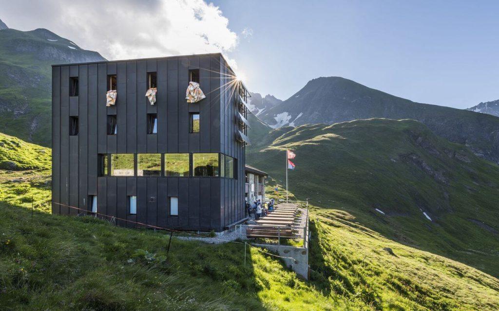 Switzerland hikes. Capanna Motterascio CAS, exterior view